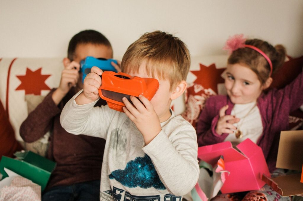 A RetroViewer makes a perfect gift for nieces and nephews