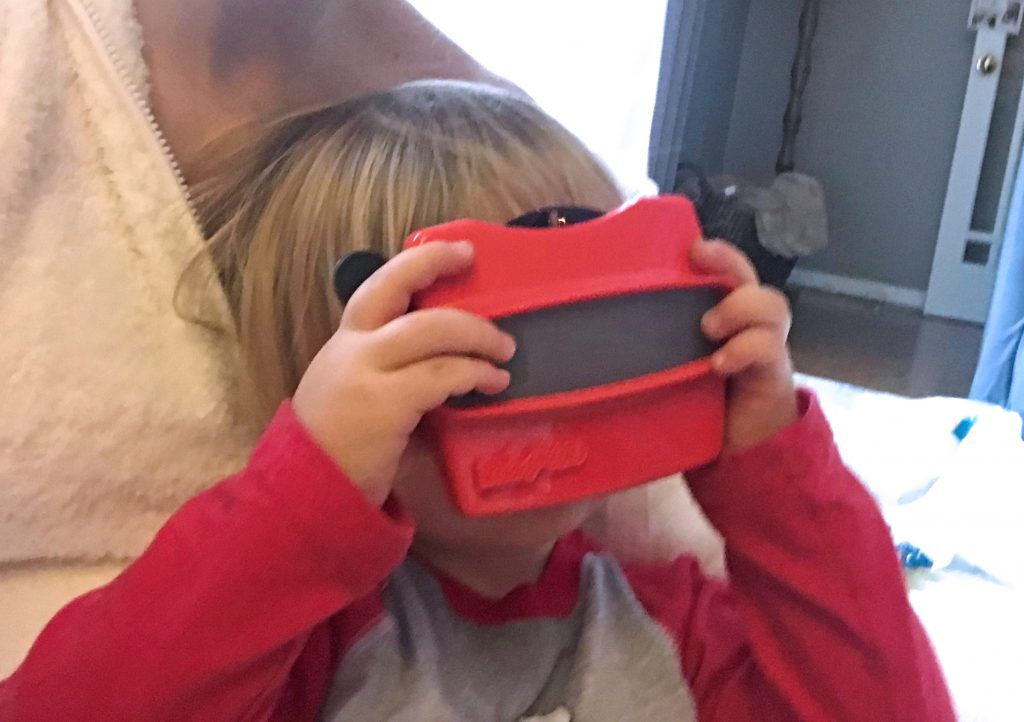 Seeing his family in a custom RetroViewer
