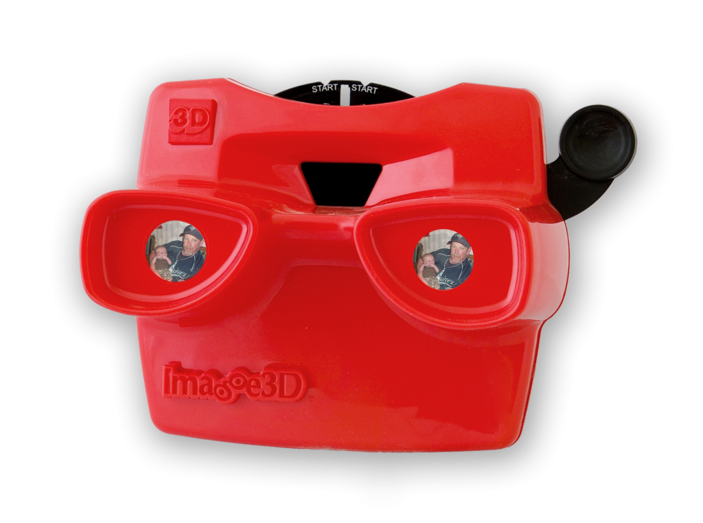 Dad will love seeing pics of him and his kids inside a RetroViewer