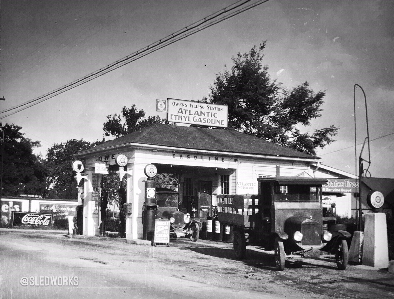 Got Gas, a collection of vintage gas station photos